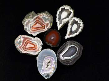 Agates from Teis