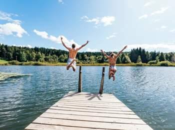 Bathing fun at Lake Fennberg