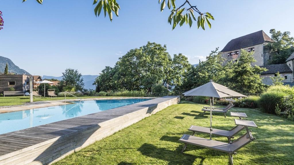 Baumgartner 39 s blumenhotel in schenna meran und umgebung for Design hotel meran und umgebung