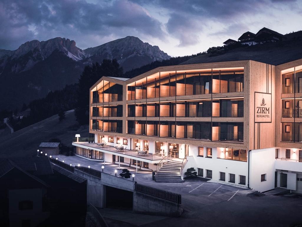 berghotel zirm kronplatz resort ferien in s dtirol auf