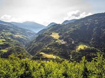 Blick auf die Trostburg und das Grödner Tal