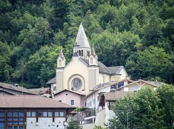 Chiesa a Montagna