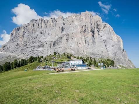 Comici hut and Mt. Langkofel