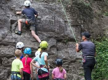 Corso di arrampicata per bambini a Parcines