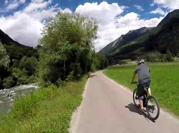 Cycling along Passer river