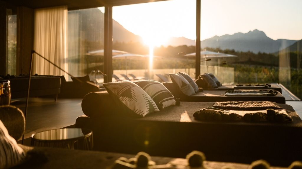 Design hotel tyrol in partschins rabland meran und for Design hotel suedtirol
