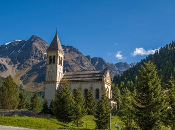 Die alte Pfarrkirche von Sulden