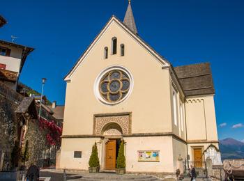 Die Pfarrkirche von Stilfs