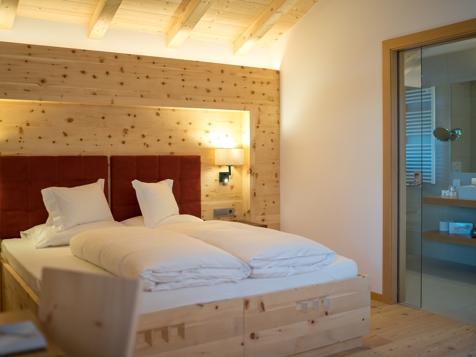 Doppelzimmer Mansarde mit Talblick und Balkon-1