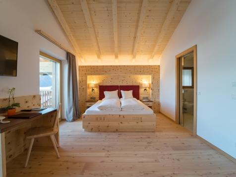 Doppelzimmer Mansarde mit Talblick und Balkon-2