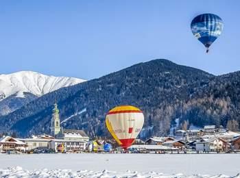 Dolomiti balloon festival in Toblach
