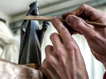 HAPE Sculptures – Grödner Schnitzkunst