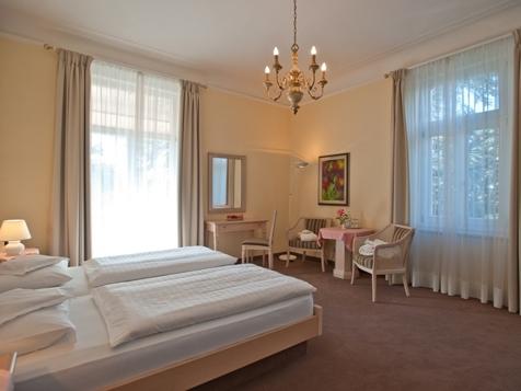 Suite mit Süd/Westbalkon Schlaf u. Wohnraum-1