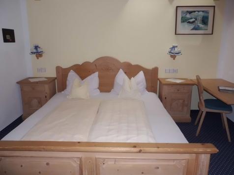 Doppelzimmer Standard-2