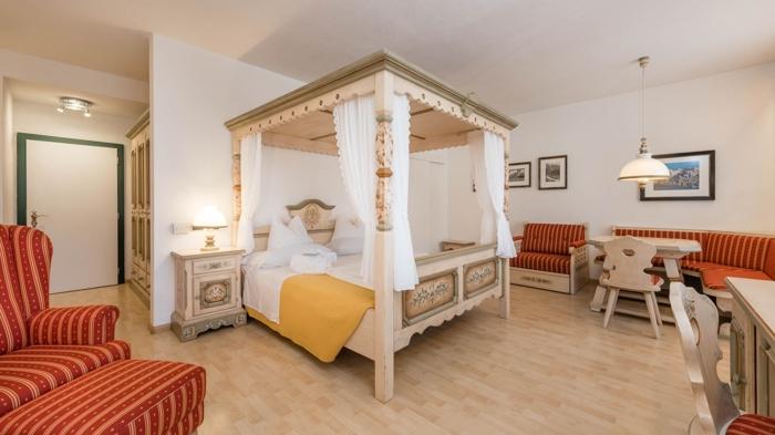 Hotel Cavallino Bianco di San Candido / Alta Pusteria - www.alto ...