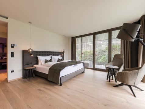 Living Spa Suite Garden mit Whirlpool-1