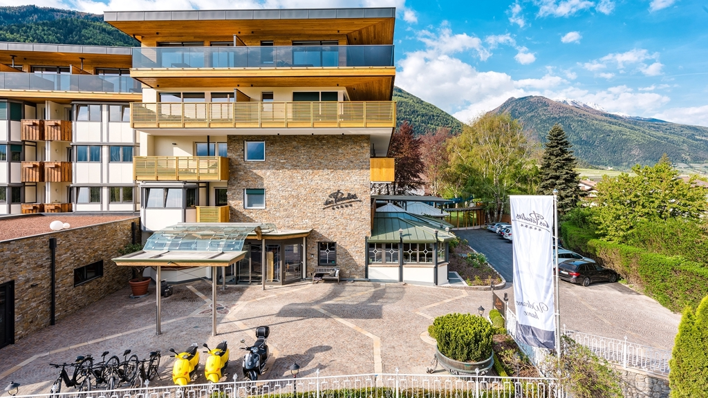 Hotel das paradies in latsch vinschgau for Design hotel vinschgau