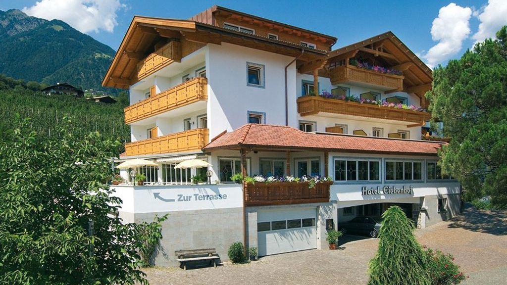 Hotel eichenhof in dorf tirol meran und umgebung www for Designhotel dorf tirol