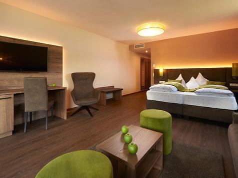 Etschtal Suite  Pool- und Talblick 43 m²-1