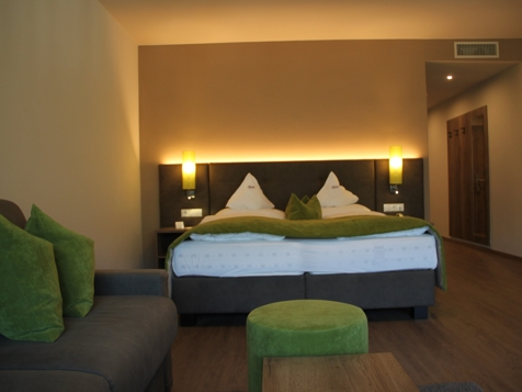 Etschtal Suite  Pool- und Talblick 43 m²-2