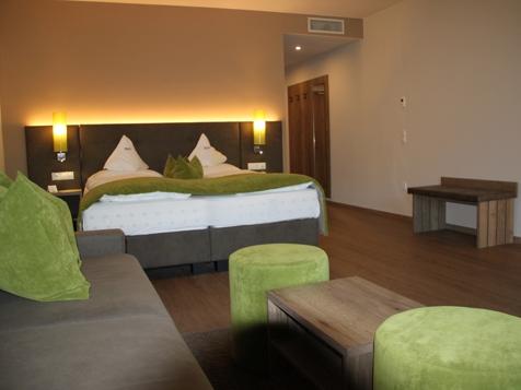 Etschtal Suite  Pool- und Talblick 43 m²-3