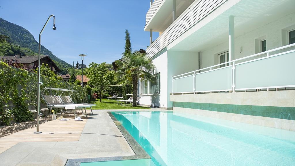 Hotel petra appartments in lana meran und umgebung for Design hotel meran und umgebung