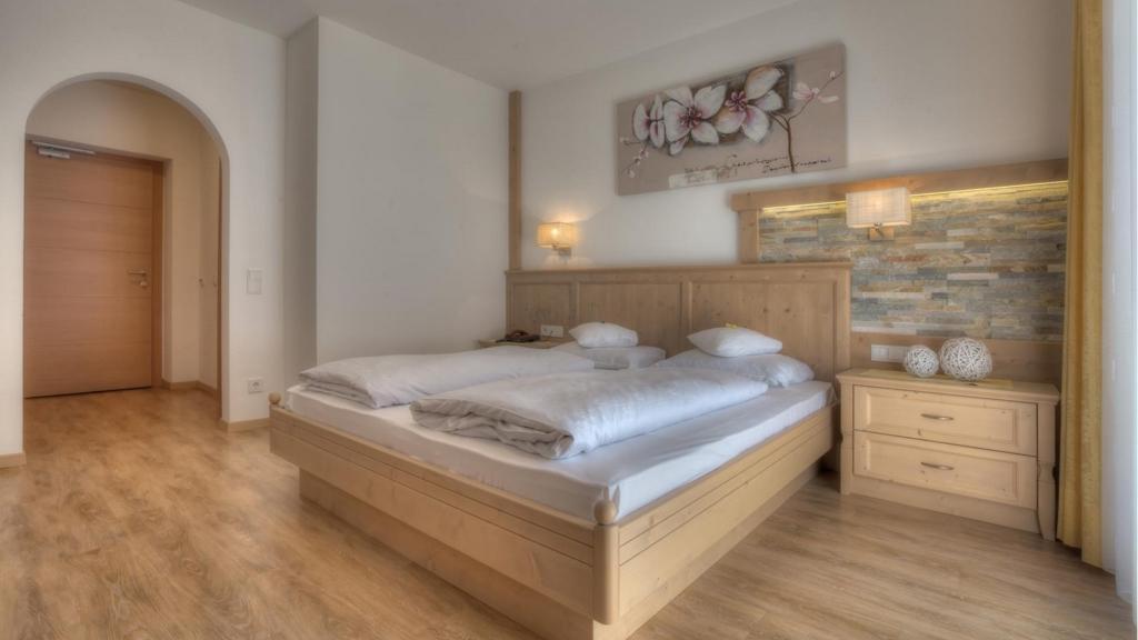 https://static.suedtirol.com/hotel-residence-rose-g2-scg-9575c.jpg