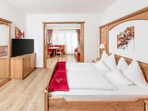 """Typ 9 - Doppelzimmer de Luxe """"Hirzer"""" mit Balkon-1"""