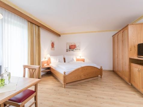 Komfort Doppelzimmer mit Ostbalkon-1