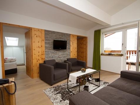 Vierbettzimmer mit Balkon-2