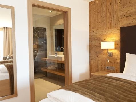 Suite mit privater Infrarotsauna und Balkon-1