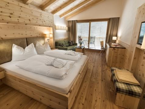 Doppelzimmer/Familienzimmer Bergblick mit Balkon-2