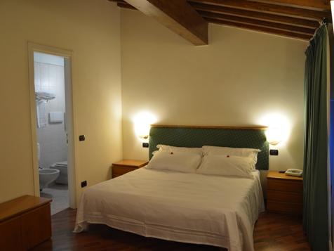 Standard Doppel- oder Zweibettzimmer-1
