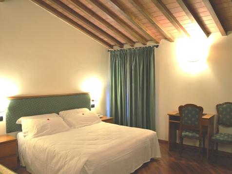 Standard Doppel- oder Zweibettzimmer-3