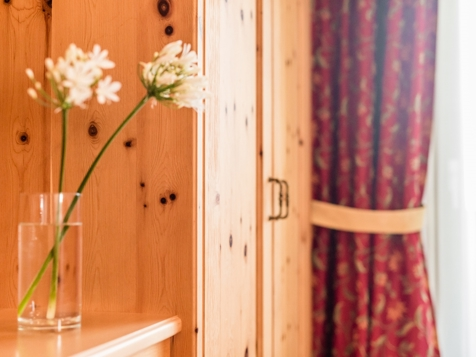 Einzelzimmer Sonnenblume-3