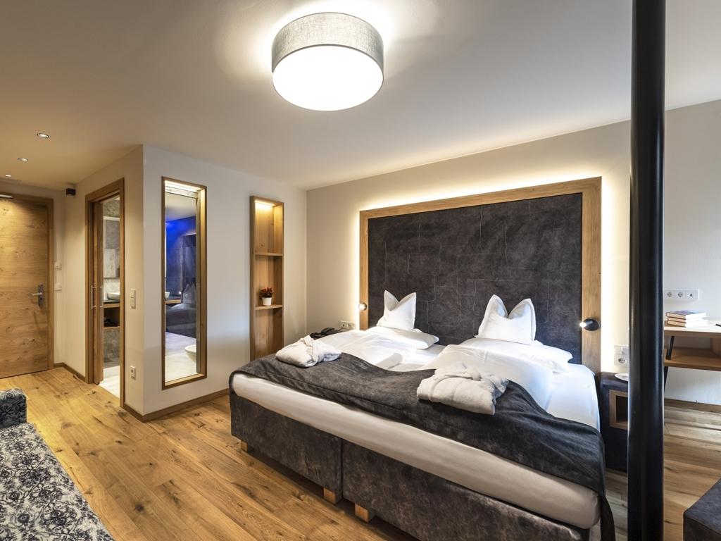 https://static.suedtirol.com/hotel-wiesnerhof-g10-mb-13175c.jpg