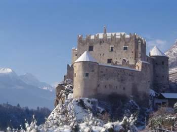 Kastelbell Castel in winter