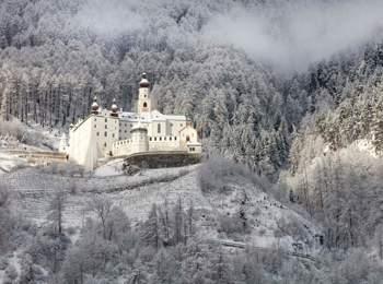 Kloster Marienberg im Winter