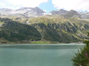 Lago artificiale di Neves