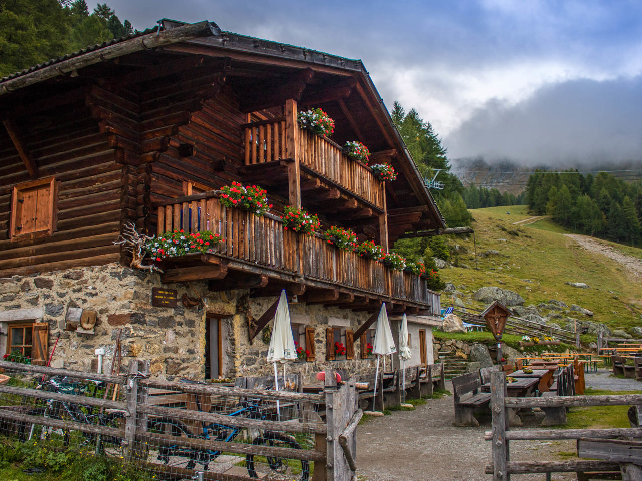 L Alpeggio Della Malga Di Tarres In Val Venosta