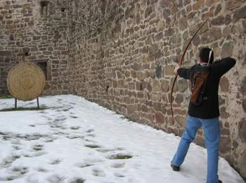 Mittelalterlicher Bogenparcours in Eppan