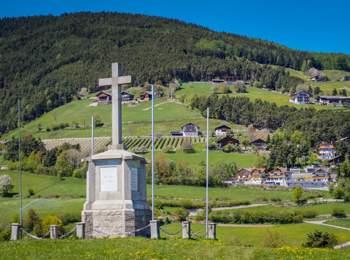 Monumento a Caterina di Spinga