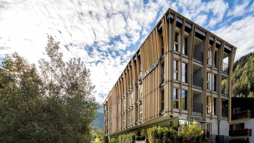 Mountain design hotel eden selva di selva di val gardena for Design hotel alto adige