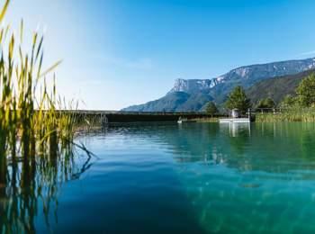 Natural bathing pond in Gargazon