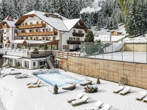 Urlaubsangebote Winter mit Dolomitenblick 2016 in Villanders