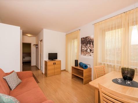 Apartment Grat-1