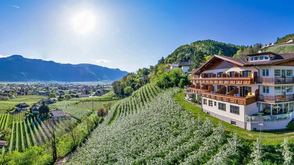 Panorama hotel garni b hlerhof in lana meran und for Hotel in lana sudtirol
