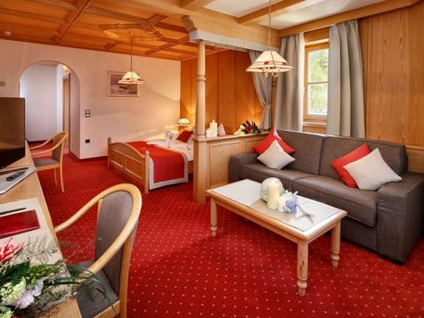 Superior Doppelzimmer mit Balkon und Gartenblick-1