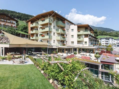 Panorama-Wellness-Hotel Feldthurnerhof - Feldthurns - Eisacktal