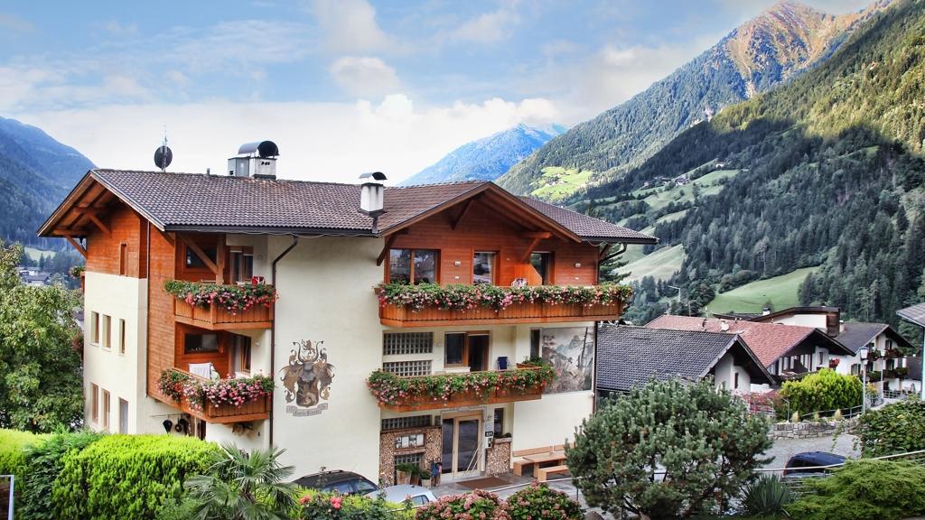 Panoramahotel wildsch tz in st leonhard in passeier for Design hotel meran und umgebung